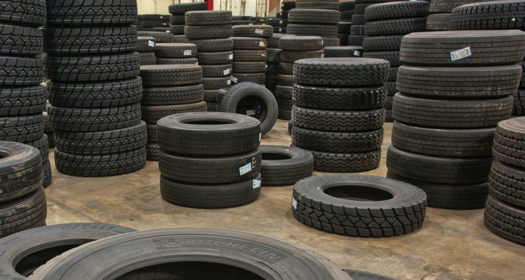 how do fleets manage their commercial truck tires?
