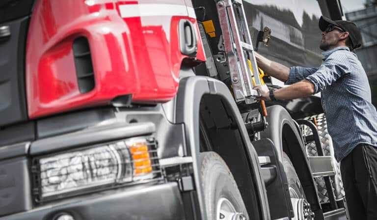 The importance of roadside assistance for issues with commercial tires