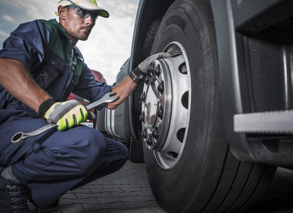 Semi-Truck Steer Tire Inflation Leaves No Margin for Error