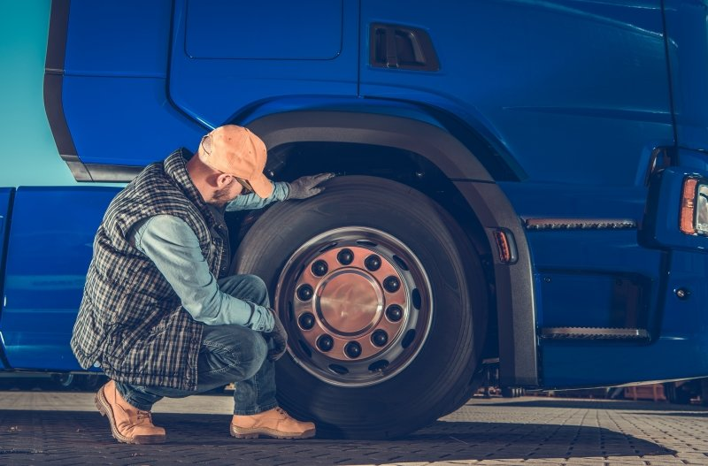 The Ultimate Check List for Managing Commercial Truck Tire Inventory
